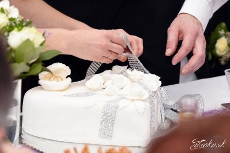 Krájanie svadobnej torty - 118