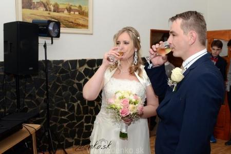Príchod na svadobnú hostinu 7090
